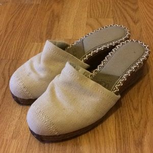 Ugg wedge women's shoes size 8